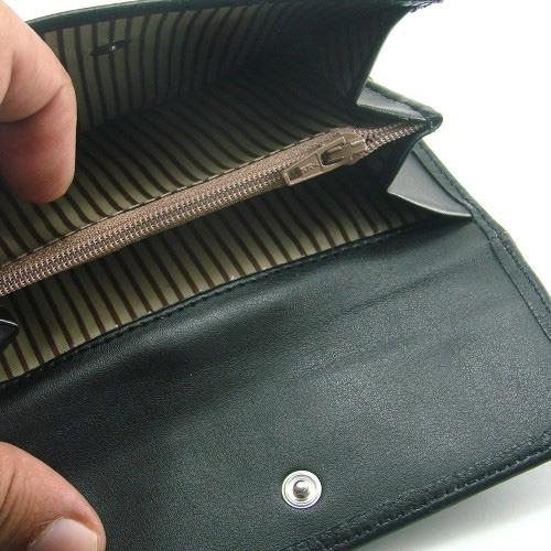 ac2a8b7b6 Billetero de piel original para mujer fabricado por la firma Casanova de forma  artesanal siguiendo la