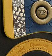 La nueva temporada nos trae diseños tan originales como estos de la marca Marsanpiel. Este fantástico billetero de piel para mujer resulta elegante y distinguido. Una mezcla de texturas y colores en que completan una pieza excepcional.