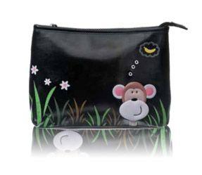 Esta original bolsa de aseo de viaje puede también ser usado como un práctico bolso de mano. Es de la marca Shagwear y en él vemos un mono con una imaginación desbordada...piensa en un plátano! Tan original como siempre este diseño de Shagwear.