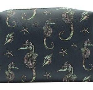 Bolsa de aseo ideal para toda la familia gracias a que Danielle ha creado la colección Seahorses Seashells con un diseño ejemplar tanto para hombre