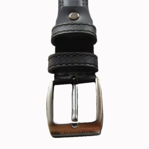 Este cinturón de piel para hombre tiene el diseño adecuado para vestir con traje. Marsanpiel fabrica sus cinturones pensando en cada monento en el que podrás llevarlo