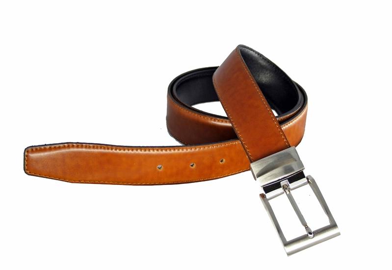 Cinturón reversible de caballero Márquez. Con este modelo de cinturón  tendrás 2 cinturones en 1 bd365a9dcc1d
