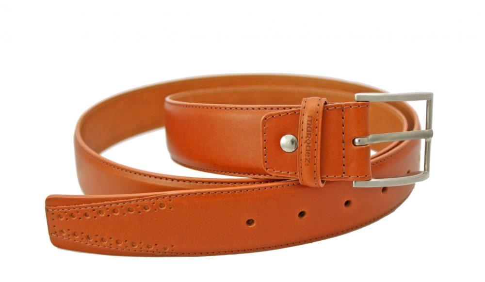 de6fef6a04edf Cinturón de piel para hombre fabricado por Márquez. Hecho con esmero