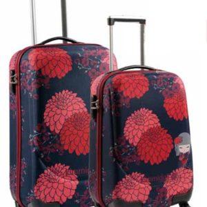 Oferta en maletas de cabina de la marca de la famosa marca Kimmidoll. Tu ropa irá ordenada en su interior separada con sujeciones. Para que puedas moverte tiene ruedas multidireccionales y cerradura de combinación que garantiza tu seguridad.