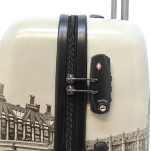 tus viajes serán una experiencia única. Las imágenes de Londres que componen su diseño te acompañarán allá donde vayas. Dispone de cierre de seguridad TSA y 4ruedas que le darán mucha movilidad. Su interior permitirá que ordenes todo perfectamente gracias a sus separadores y a la calidad que Saxoline pone en sus productos.