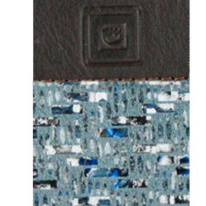 Monedero de piel de mujer confeccionado por la firmaCasanova y fabricado en España. Este monedero tiene doble cremallera con forro interior de textil y exterior de piel de alta calidad. Es un monedero de tamaño pequeño