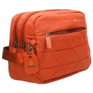Neceser de viajeNational Geographic que ha creado esta magnífica bolsa de aseo de estilo casual y colores elegantes