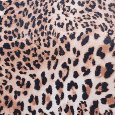 es famoso y reconocido por su funda rígida. El X1 es un paraguas ligero y cómodo además de seguro y de calidad (todos los paraguas Knirps tienen 2 años de garantía). Este diseño tan actual muestra un estampado animal print simulando la piel de leopardo.