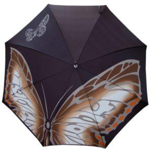 Paraguas artesanal de la marca Doppler Manufaktur. La colección Mariposas de la serie de paraguas artesanales de Doppler ilustra en un paraguas