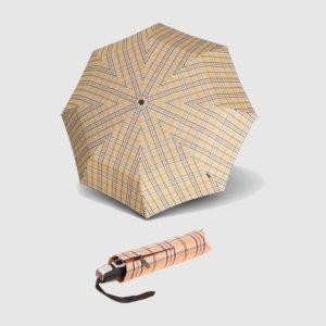 Paraguas de cuadros marca punto rojo que ha diseñado la colección 878 T2 Duomatic donde destaca la resistencia de sus paraguas y la distinción que aporta su estampado de cuadros