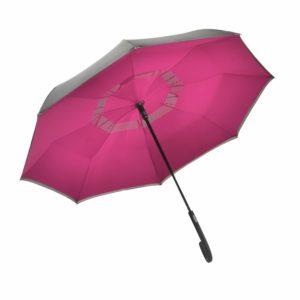 un paraguas que cierra del revés. Pero eso no es todo