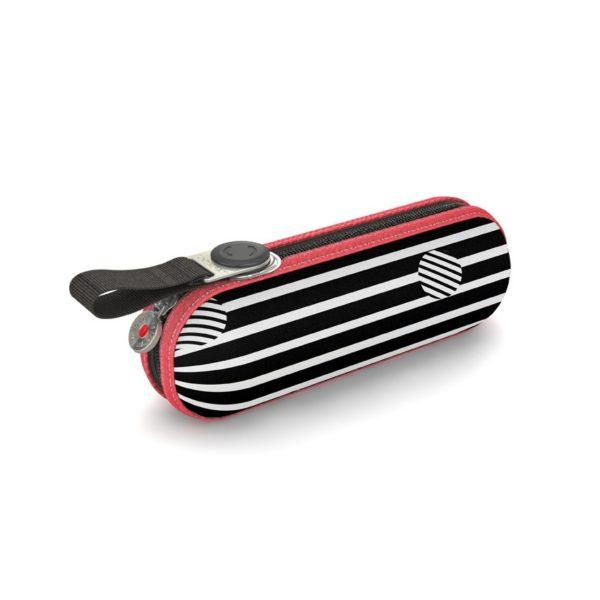 Paraguas original Knirps con funda rígida modelo X1. La nueva colección Ocean muestra un original concepto de rayas combinadas en varios tonos. Knirps ha llegado a ser una de las más importantes firmas de paraguas del mundo por tener muy en cuenta la calidad en productos y el diseño