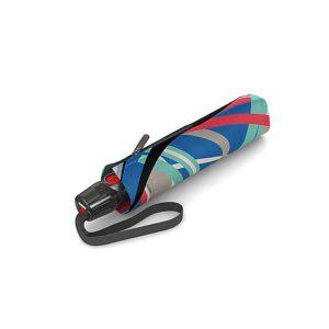 El nuevo paraguas de señora modelo Poseidon de la marca Knirps presenta un diseño muy original. Los Estampados que podemos ver en su tejido nos alegrarán el paseo bajo la lluvia. La nueva colección T-Series tiene varillas mucho más resistentes al viento y un botón de apertura mucho más sensible al tacto.