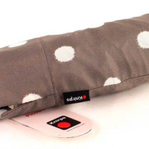 Paraguas original marca punto rojoque ha creado la colección 868 Piccolo para llenar nuestra vida de color y alegría con este maravilloso diseño de lunares. Es el complemento ideal para los días lluviosos ya que es un paraguas ligero y antiviento