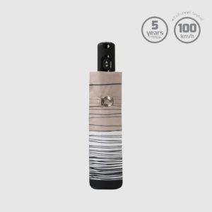 Paraguas pequeños de bolsillo Doppler de la colecciónCarbonsteel Magic Linee.Es un paraguas ligero y perfecto para llevar en cualquier bolso.Con apertura abre-cierra y 5 años de garantía (Registre la compra para hacerla efectiva.Hazlo haciendo clic en este enlace.)