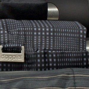 Paraguasplegable de caballero marcaDopplernegro liso o estampado. Un paraguas que puedes guardar en cualquier sitio