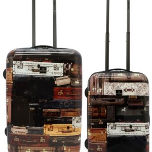 Estas originales maletas son un homenaje en sí a las que nos acompañaron en nuestra vida. Saxoline ha diseñado este juego de maletas con una imagen de muchas maletas antiguas dándole un estilo vintage realmente sorprendente.