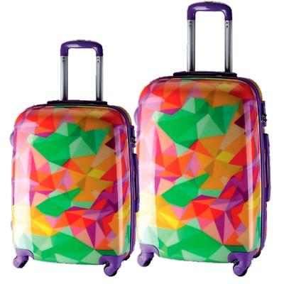 72bf39680 Set de maletas marca Talento la cual ha creado la divertida colección  Reggae con diseños únicos