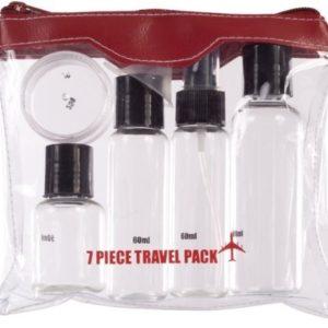 Este set para viaje en avión está compuesto por 7 piezas que complen con los requisitos para el equipaje de cabina que puedes llevar en tus vuelos. Los tarros y frascos vienen con el tope máximo de contenido que permite la ley